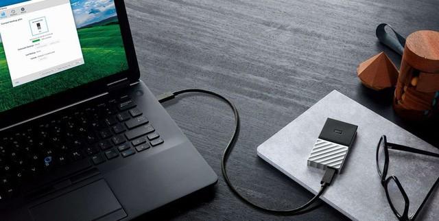WD ra mắt ổ SSD di động đầu tiên của mình, giá từ 100 USD ảnh 1