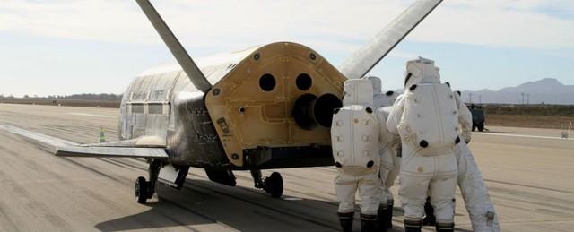 """Mỹ đang thử nghiệm """"động cơ phi vật lý"""" EM Drive trên máy bay không gian X-37B? ảnh 1"""
