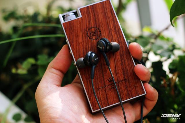"""Tai nghe AKG bóc máy Samsung Galaxy S8: build tốt, chất hay, """"đá bay"""" earpods! ảnh 13"""