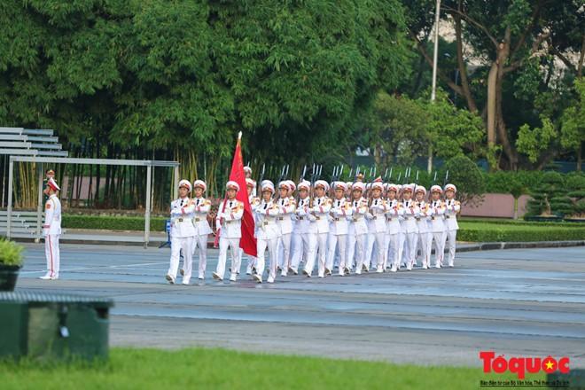 Thiêng liêng nghi lễ chào cờ ở Quảng trường Ba Đình ngày Quốc khánh 2/9 ảnh 6