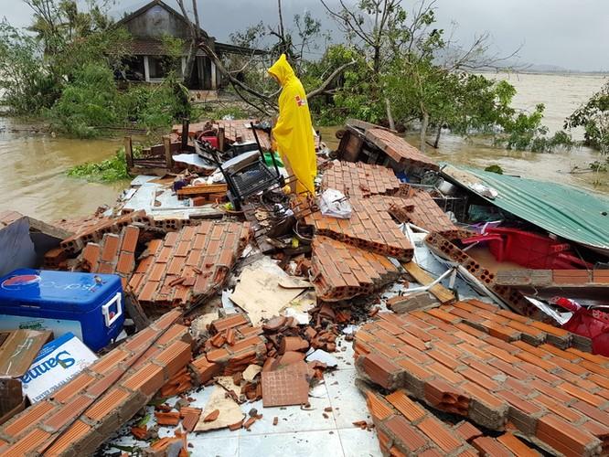 27 người thiệt mạng, nhiều người mất tích do bão số 12 ảnh 1