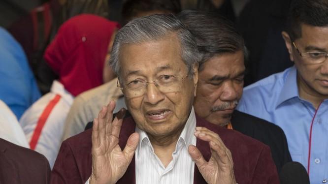 """Malaysia có """"tân"""" thủ tướng già nhất thế giới, 92 tuổi ảnh 1"""