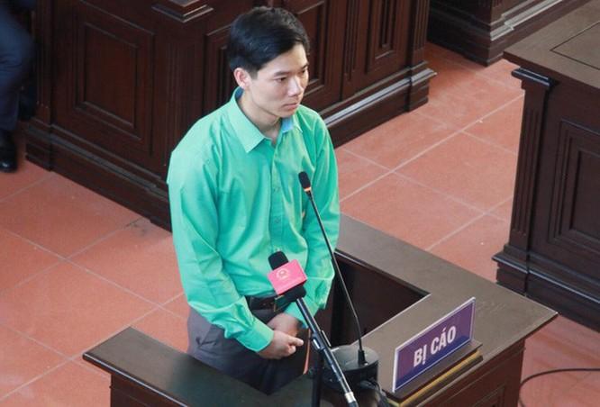 Vụ chạy thận ở Hòa Bình: Giám đốc viện ký hợp đồng, bác sĩ chịu tội