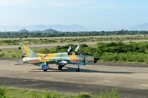 Tiêm kích Su-22 trung đoàn 921 rơi tại Nghệ An, 2 phi công hy sinh ảnh 1