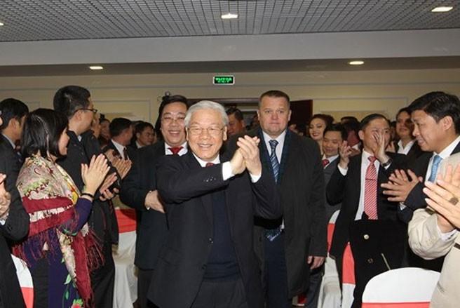 Đẩy mạnh hợp tác toàn diện giữa hai nước và ủng hộ giải quyết các tranh chấp quốc tế bằng biện pháp hòa bình ảnh 1
