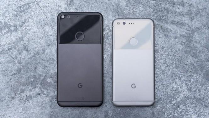 Mặt sau của Google Pixel 2 và Pixel 2 XL. Nguồn:expertreviews