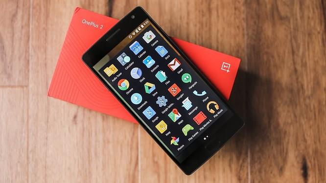 """""""Quan tâm"""" tới người dùng như vậy nhưng thiết bị cao cấp nửa cuối năm 2015 của họ(OnePlus 2) tuy đủ mạnh vẫn chưa nhận được bản cập nhật Android 7.0 Nougat. Nguồn: AndroidPit"""