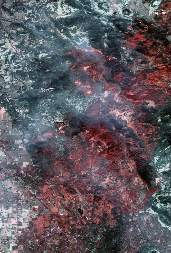Thảm họa cháy rừng ở California nhìn từ vệ tinh ảnh 5