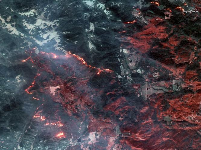 Thảm họa cháy rừng ở California nhìn từ vệ tinh ảnh 6