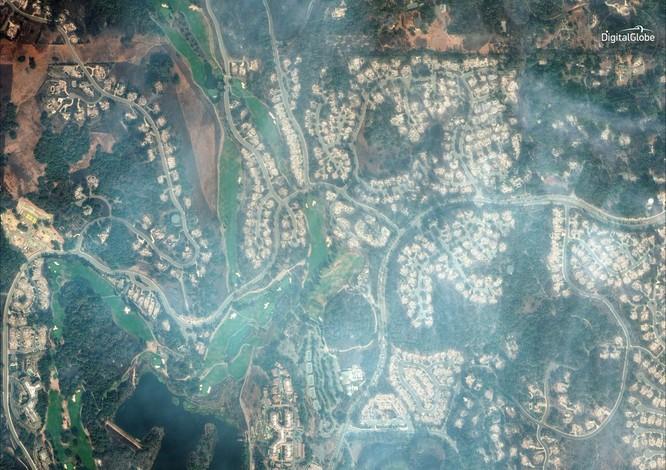 Thảm họa cháy rừng ở California nhìn từ vệ tinh ảnh 11