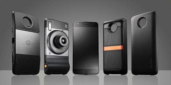 GALAXY S9 sẽ tích hợp thêm những phụ kiện gắn ngoài tương tự như MotoMod của Motorola. Nguồn: techaeris