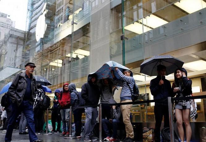 iPhone 7 Plus bán sạch, giá giảm mạnh ở Việt Nam ảnh 1