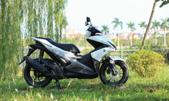 Yamaha NVX đầu tiên về Hà Nội ảnh 1