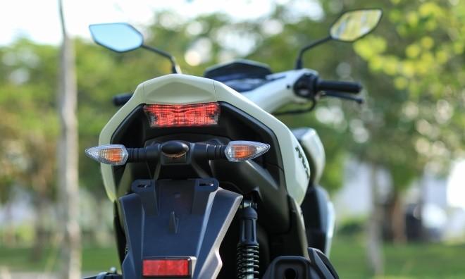 Yamaha NVX đầu tiên về Hà Nội ảnh 8