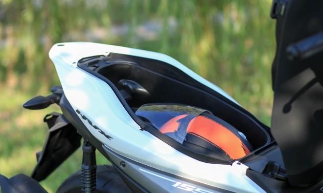 Yamaha NVX đầu tiên về Hà Nội ảnh 10