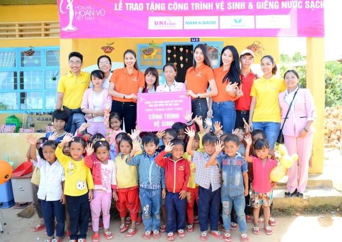 Nam A Bank đồng hành tặng nhà tình thương cho bà con nghèo ảnh 1