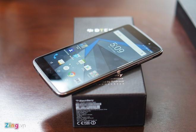 Loạt smartphone giảm giá mạnh trong tháng 11 ảnh 4