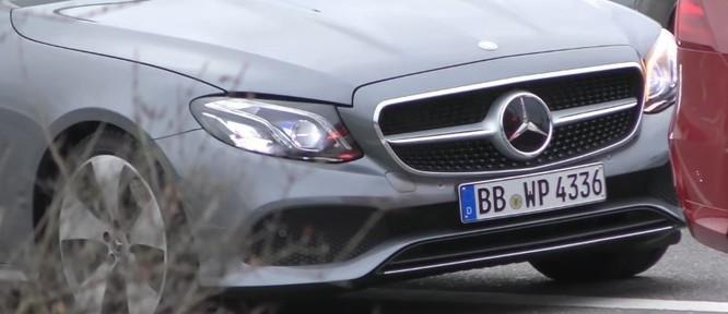 Mercedes-Benz E-Class Cabriolet bản sản xuất lộ diện trên phố ảnh 1