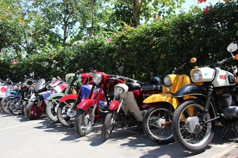 Hàng trăm xe máy cổ hội tụ tại Sài Gòn ảnh 9