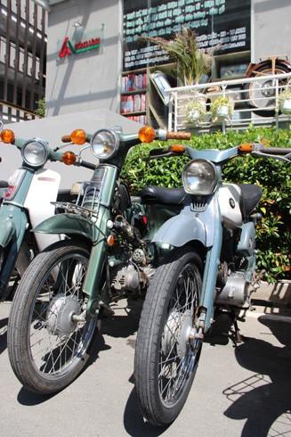 Hàng trăm xe máy cổ hội tụ tại Sài Gòn ảnh 3