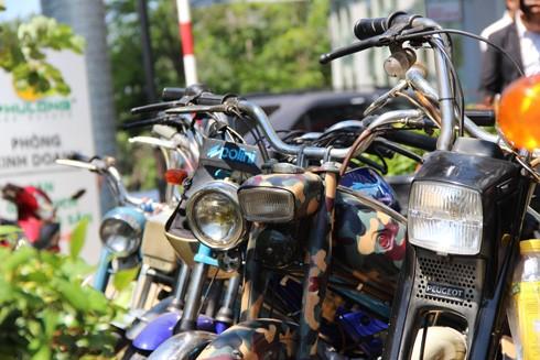 Hàng trăm xe máy cổ hội tụ tại Sài Gòn ảnh 4