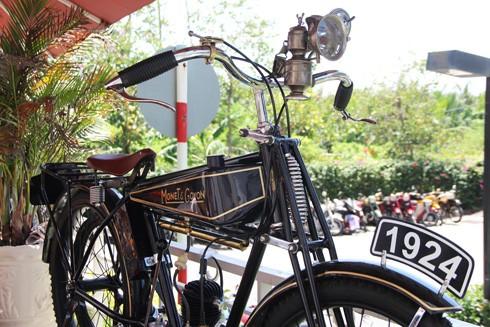 Hàng trăm xe máy cổ hội tụ tại Sài Gòn ảnh 7