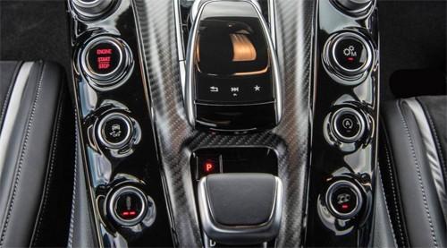 Mercedes-AMG GT R - siêu phẩm đường đua 157.000 USD ảnh 8