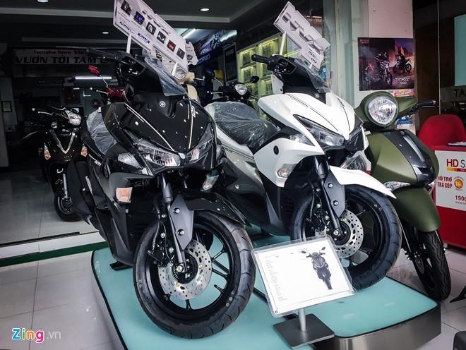 Yamaha NVX 125 bán đúng giá, Honda Air Blade chênh 4 triệu đồng ảnh 1