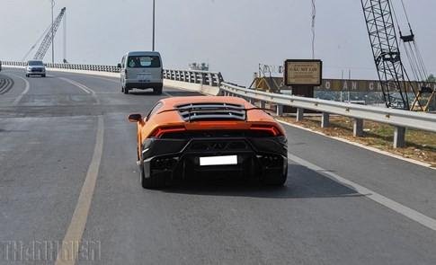 Siêu bò Lamborghini Huracan độ Vorsteiner chất nhất Việt Nam ảnh 10