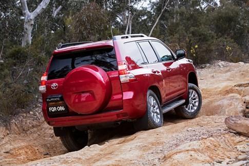Toyota nâng cấp Land Cruiser Prado cạnh tranh Mitsubishi Pajero ảnh 2