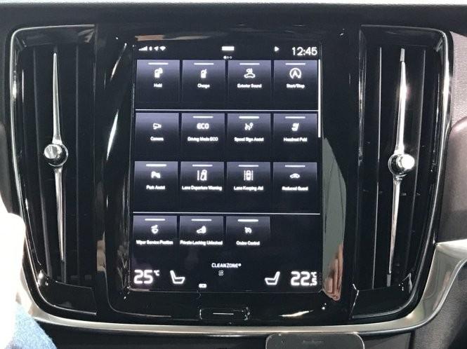 Tài xế xe hơi ra lệnh, Google Assistant phục vụ ảnh 3