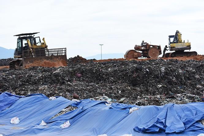 Hà Nội đầu tư 79 tỷ đồng làm đường vào khu xử lý chất thải bị dân ngăn chặn vận chuyển rác