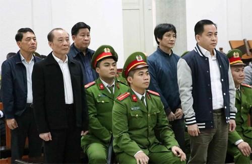 Tuyên phạt ông Trần Việt Tân 36 tháng tù, ông Bùi Văn Thành 30 tháng tù ảnh 2