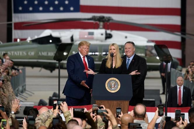 Cắt phăng mái tóc dài óng ả, Ivanka Trump muốn đưa ra thông điệp gì? ảnh 1