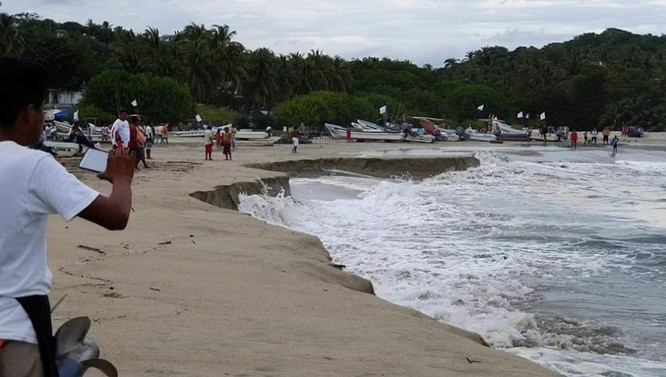 Người dân tại vùng biển Mexico hoảng hốt với hiện tượng có một không hai ảnh 1