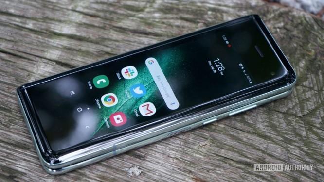 Đánh giá: Samsung Galaxy Fold có xứng đáng với mức giá 50 triệu? ảnh 11