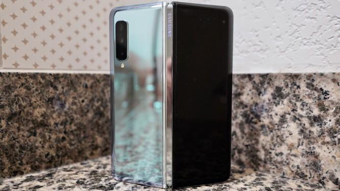 Đánh giá: Samsung Galaxy Fold có xứng đáng với mức giá 50 triệu? ảnh 4