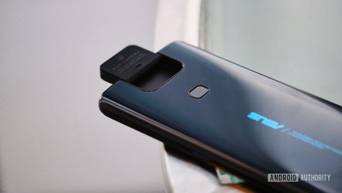 """Top 8 mẫu điện thoại Android có khả năng chụp ảnh """"tự sướng"""" vi diệu ảnh 1"""