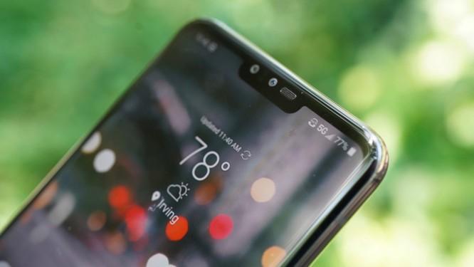 """Top 8 mẫu điện thoại Android có khả năng chụp ảnh """"tự sướng"""" vi diệu ảnh 11"""