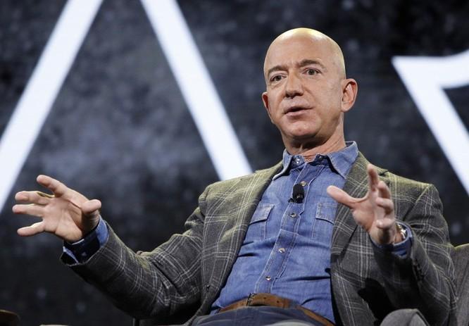 Các tỷ phú công nghệ như Zeff Bezos, Bill Gates đi xe gì? ảnh 1