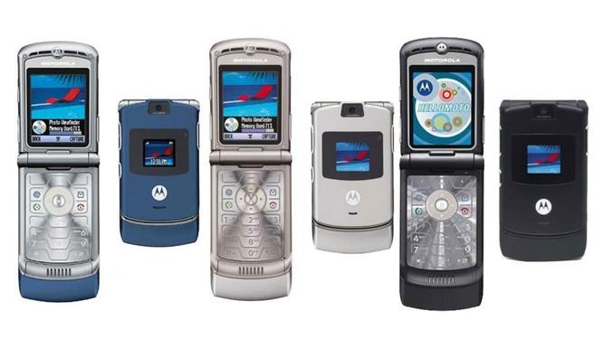 """Motorola RAZR - chiếc điện thoại """"gập"""" mang hơi thở hoài niệm ảnh 1"""