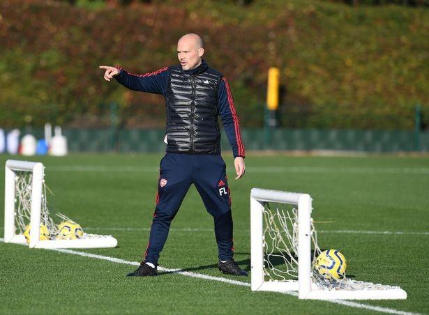 Những tia hy vọng trong buổi tập đầu tiên của Arsenal dưới sự chỉ đạo của huấn luyện viên tạm quyền Freddi Ljungberg ảnh 3