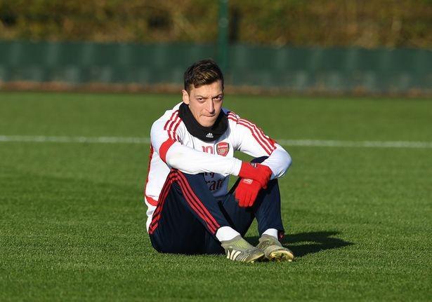 Những tia hy vọng trong buổi tập đầu tiên của Arsenal dưới sự chỉ đạo của huấn luyện viên tạm quyền Freddi Ljungberg ảnh 4