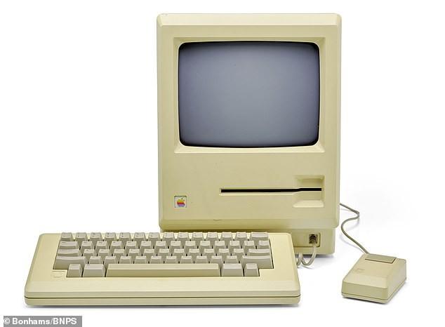 """Chiếc đĩa mềm có chữ ký của Steve Jobs được bán với mức giá """"trên trời"""" ảnh 2"""