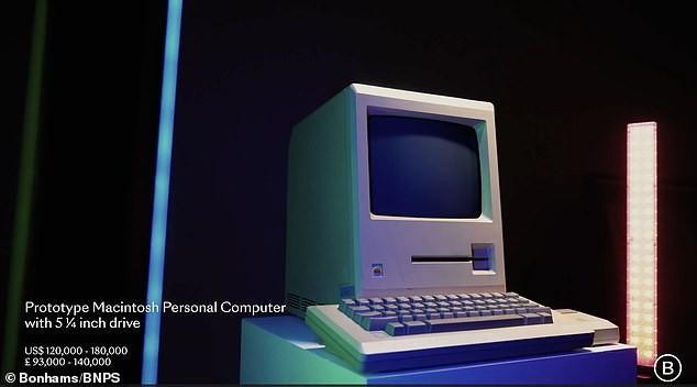 """Chiếc đĩa mềm có chữ ký của Steve Jobs được bán với mức giá """"trên trời"""" ảnh 3"""