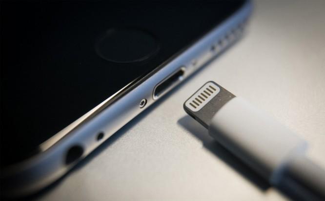 Liên minh châu Âu muốn tất cả những chiếc smartphone sử dụng chung một cổng sạc ảnh 1