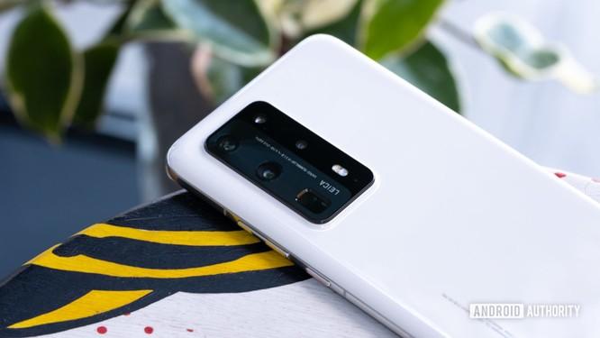 Huawei P40 Pro Plus: Cụm camera sau ấn tượng ảnh 6