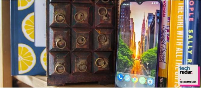 3 mẫu smartphone ngon rẻ cho người kiệm chi ảnh 8