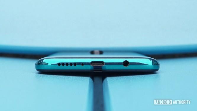 3 mẫu smartphone ngon rẻ cho người kiệm chi ảnh 5