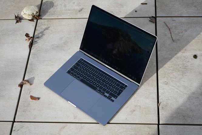 So sánh Dell XPS 17 9700 và Macbook Pro 16: Đâu là chiếc laptop phục vụ tốt cho công việc đồ họa ảnh 9